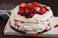 Romanian Desserts, Romanian Food, Pavlova, Trifle, Cake Videos, Something Sweet, Yummy Cakes, Chocolate Cake, Caramel