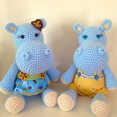 Crochet hippos. (Inspiration only).