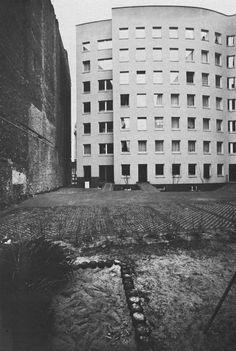 PRIZTKER 1992 ALVARO SIZA -  bonjour tristesse, WOHNHAUS SCHLESISCHES TOR, BERLIN