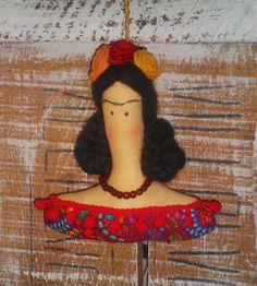 http://www.elo7.com.br/boneca-tilda-frida-kahlo-busto/dp/60F689