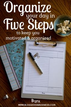 How to Positively Organize your Work Day + Free Printable