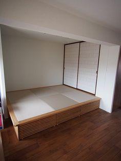 ユニット畳のカスタマイズや畳コーナー、高床式畳   飛騨フォレスト House Design, Bedroom, Wood, Decor, Beds, Decoration, Woodwind Instrument, Timber Wood, Bedrooms