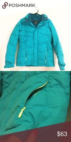 Blue green North face jacket Worn only once no flaws. Has a detachable hood. Really hard to get an accurate color but it's more green in person like in the second pic. The North Face Jackets & Coats Puffers