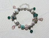 Bracelet européen breloque argenté cristal rose vert femme : Bracelet par sylviane-bijoux