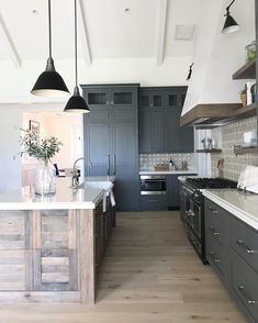 Exceptional modern kitchen room are offered on our web pages. Check it out and you wont be sorry you did. Design Room, Küchen Design, Home Design, Layout Design, Design Ideas, Modern Farmhouse Kitchens, Rustic Kitchen, Home Kitchens, Farmhouse Style