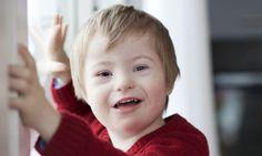 Le développement du langage chez les enfants trisomiques. Un schéma classique, mais décalé. La langue manque de tonus et trouble l'articulation et la ...