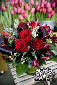 Pretty Petals :: Vancouver Celsia Florist Arrangement of Roses Valentine Flower Arrangements, Valentines Flowers, Floral Arrangements, Valentine Nails, Valentine Ideas, Deco Floral, Arte Floral, Floral Design, Do It Yourself Inspiration