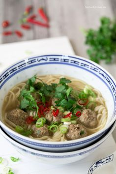 Udon Nudelsuppe mit