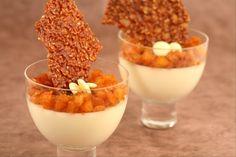 Recette de Panna cotta chocolat blanc, ananas caramélisé, tuiles de sésame