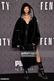 「rihanna」の画像検索結果 Rihanna, Bomber Jacket, Jackets, Fashion, Down Jackets, Moda, Fashion Styles, Fashion Illustrations, Bomber Jackets
