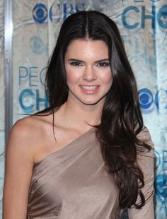 Kendall Jenners loose, updo hairstyle