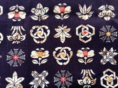 Japanese Fabric - Cotton Fabric - Blue Black - Family Crests - 1 Yard F81