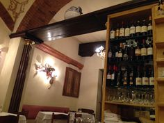 Kleines, typisches Restaurant irgendwo in Italien Liquor Cabinet, Restaurant, Storage, Furniture, Home Decor, Backdrops, Italy, Purse Storage, House Bar