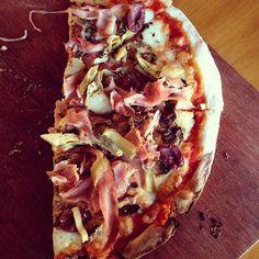 Crowd-pleasing pizza