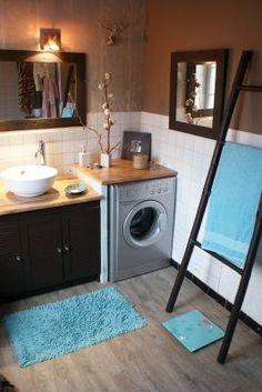 Deco Salle De Bain Marron Et Turquoise – Ideen für die Küche Laundry Room Bathroom, Bathroom Renos, White Bathroom, Small Bathroom, Small Space Interior Design, Shower Remodel, Bathroom Inspiration, Cozy House, Small Spaces