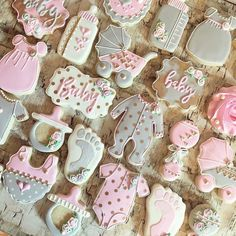 Fabulous Baby Shower Ideas - DIY centerpieces, Favors, Cookies, Cakes, Balloon Garlands and Decorations. Baby Girl Cookies, Baby Shower Cookies, Girl Shower Cake, Shower Cakes, Galletas Decoradas Baby Shower, Birthday Cookies, Valentine Cookies, Easter Cookies, Christmas Cookies