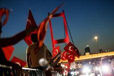 Boğaziçi Köprüsü'nde demokrasi yürüyüşü - 15 | NTV