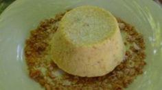Ricetta Semifreddo agli amaretti: Il semifreddo agli amaretti è un dolce da intenditori!  Il sapore accattivante degli amaretti è perfetto per un fine pasto importante così come per una merenda golosa!