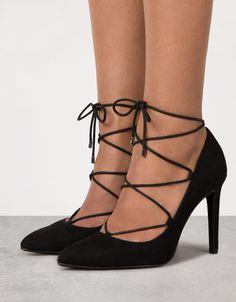 Fine heel, lace-up pumps - View All - Bershka Romania