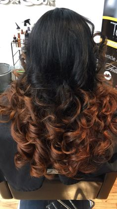 Wavy hair ombré color loose curls