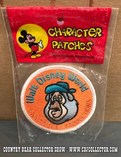 www.CBJCollector.com - Today on the show, our host takes a look at a vintage Walt Disney World embroidered character patch featuring Big Al of the Country Bear Jamboree.  Released sometime in the 1970s or 1980s, this is a classic patch that is a lot of fun.  Our host gives it a good going over and then gives it a 'Paw Rating.' Be sure to check out the Country Bear Collector Show Facebook Page over at www.facebook.com/CountryBearCollector and let us know your thoughts on this item!  PRODUCT…
