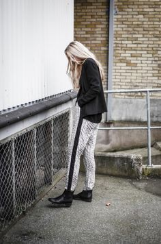 Spotted VILA pants - We love to see where our styles end up :) #vilaclothes #vilafriends #friends