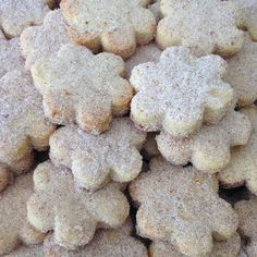 Mexican Pastries, Mexican Sweet Breads, Mexican Bread, Sweet Desserts, Sweet Recipes, My Recipes, Delicious Desserts, Yummy Food, Mexican Cookies