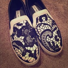 steve madden gulible lace slip on plimsolls size 7 only worn once! great condition! Steve Madden Shoes