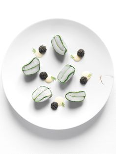 By Yannick Alléno. © Nicolas Buisson - See more at: http://theartofplating.com/editorial/nicolas-buisson-at-the-crossroads-of-architecture-and-luxury/