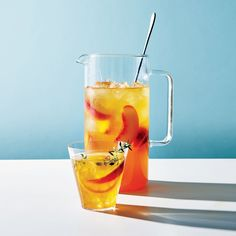 Peach-Thyme Iced Tea: Cool down with these refreshing summer beverages. Summer Drink Recipes, Iced Tea Recipes, Healthy Summer Recipes, Milk Recipes, Summer Drinks, Fun Drinks, Healthy Drinks, Summertime Drinks, Refreshing Cocktails