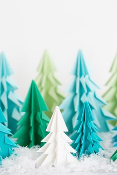 We're smitten with these origami Christmas trees!! A festive and creative Christmas craft that you can use to decorate with for the holidays. They look super charming on a shelf, you can make a garland from them or tie them to a present. And, all you need is a piece of paper and some scissors. Super easy....read more