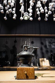Origo Coffee Shop, Bucarest, Sweet light pendant and hanging cups Coffee World, Coffee Corner, Coffee Is Life, I Love Coffee, White Coffee, Coffee Shops, Coffee Cafe, Restaurant Concept, Restaurant Design