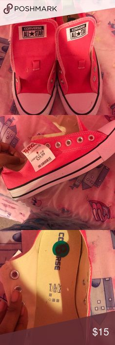 Cute pink size 8 low top converse💕💕 Never worn before but they don't have laces Converse Shoes Sneakers
