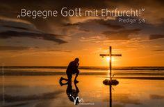 """""""Wer viel #träumt, #träumt manches #Sinnlose, und wer viel #redet, sagt manches #Unnütze. Du aber #begegne #Gott mit #Ehrfurcht!"""" #Prediger 5:6 #glaubensimpulse"""