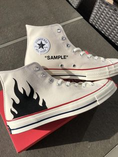 Converse flames (classic) by TA Customs ® Mode Converse, Diy Converse, Painted Converse, Custom Converse, Sneakers Mode, Custom Sneakers, Converse Shoes, Sneakers Fashion, Custom Painted Shoes