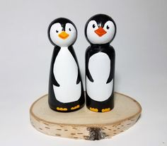 Wooden Penguin Wedding Cake Topper Rustic by RainbowPegDolls Wood Peg Dolls, Clothespin Dolls, Penguin Cake Toppers, Christmas Crafts Sewing, Pretty Pegs, Penguin Wedding, Girls Night Crafts, Classic Christmas Decorations, Homemade Dolls