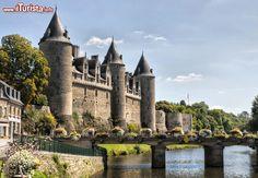 Castello di Josselin sul fiume Oust, Bretagna, ...