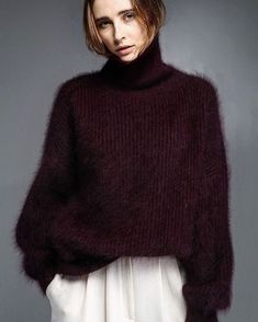 love this deep purple/ plum color and all the fuzz. Fluffy Sweater, Mohair Sweater, Thick Sweaters, Cozy Sweaters, Knitwear Fashion, Knit Fashion, Pull Angora, Minimalist Street Style, Looks Street Style