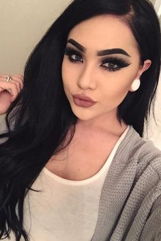 Are you looking for straight hairstyles that are all the rage this season? We have a collection of hairstyles for straight hair that look really cute. Glam Makeup, Dark Makeup, Flawless Makeup, Gorgeous Makeup, Pretty Makeup, Love Makeup, Makeup Inspo, Makeup Inspiration, Makeup Tips