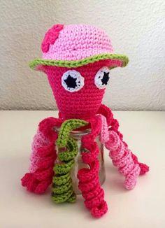 Deze mooi roze inktvis is gemaakt door Jetty van Hugten - Huijser.