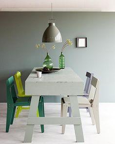 Dat groen van nature een koele kleur is kun je uitbuiten door het te gebruiken om een kleine ruimte groter te laten lijken.