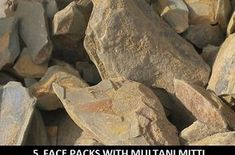 5 Best Multani Mitti Face Packs for Beautiful clear skin Castor Oil For Acne, Coconut Oil For Acne, Clear Skin Face, Clear Skin Tips, Multani Mitti Face Pack, Acne Control, Moisturizer For Dry Skin, Skin Tightening, Healthy Skin