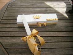 Caixa Decorada em tons dourados, vela de batismo a condizer.  https://www.facebook.com/dreamerstreasure