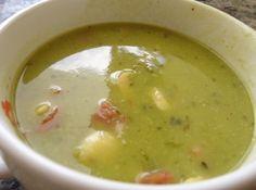 Receita de Sopa de Ervilha - sopa e ótima pedida principalmente  nos dias mais frozinhos! Fiz aqui em casa e todo mundo adorou!! Meu netinho estava doente e ...