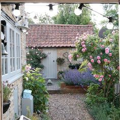 68 Beautiful French Cottage Garden Design Ideas Make certain you pick the best species to find the maximum profit. It is just a whole package with respect to accommodation. The options are endless. French Cottage Garden, Small Cottage Garden Ideas, Cottage Garden Design, Diy Garden, Dream Garden, Cottage Style, French Garden Ideas, French Country Gardens, Cottage Front Garden