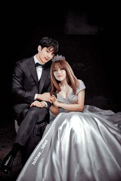Anime Couples Drawings, Couple Drawings, Jungkook Cute, Foto Jungkook, Bts Girl, Kpop Couples, Wattpad Books, Cute Family, Drama Korea