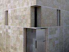 Cappella funeraria a Castelmorrone, CasertaBeniamino Servino « Journal Gothic Architecture, Amazing Architecture, Contemporary Architecture, Concrete Building, Concrete Blocks, Brickwork, Brutalist, Windows And Doors, Exterior