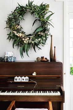 wreath-piano-ACSXM16p54