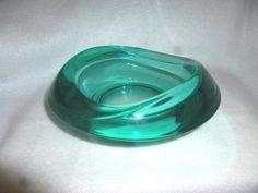 SAMMLERSTÜCK !!! , design by Rudolf Jurnikl 1962 türkis Sklo Union Rosice GlasshütteSie erstehen einen spektakulären…