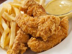 Pollo Frito Kfc, Junk Food, Fried Chicken, Chicken Wings, Fries, Delish, Food And Drink, Snacks, Meat